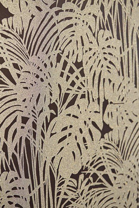 Обои черные с тропическими листьями с бисером Reflect Eijffinger 378016