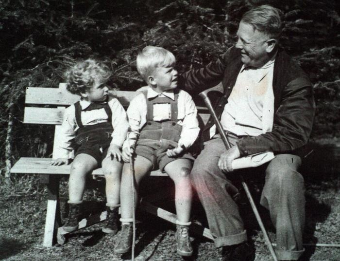 Future last President of Czechoslovakia and first President of Czech Republik Václav Havel (in the middle), his brother Ivan and their maternal grandfather Hugo Vavrečka. 1940.