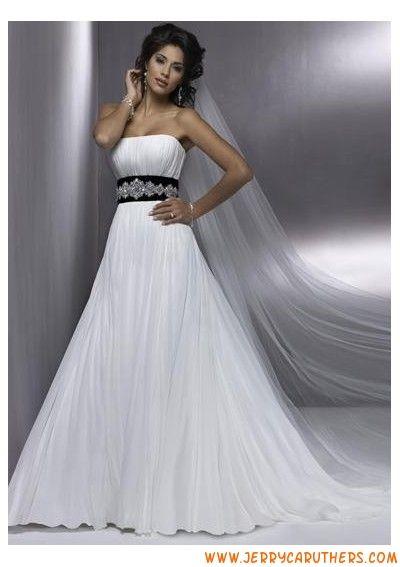 A-lijn witte chiffon jurk met kralen zwarte band