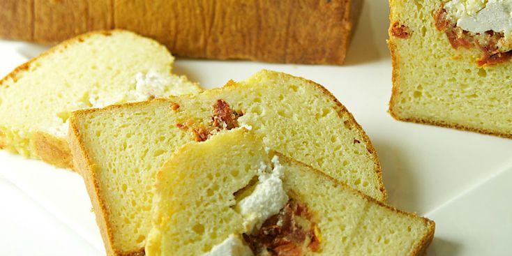 Cake au fromage de chèvre et tomates séchées