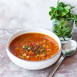 Zupa z zielonej soczewicy z makaronem | Kwestia Smaku