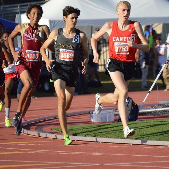 Sam Worley making a 1:48.25 800m look real easy at the Texas State Meet  @bdeibel4 . . . . . #milesplit #samworley #track #tracknation #recordbreaker #texas #texastrack #texasmilesplit #running #800m #uilstate http://ift.tt/2pJT6ja