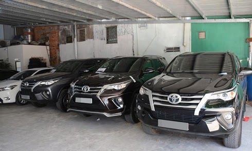 Toyota Fortuner 'lướt' đắt hơn 200 triệu so với xe mới