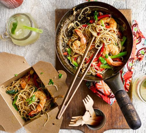 Singapore noodles with prawns