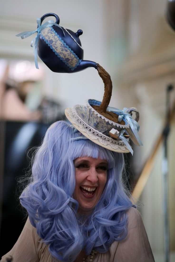 #Steampunk festival in Lincoln - a #teapot pouring into a cup #hat
