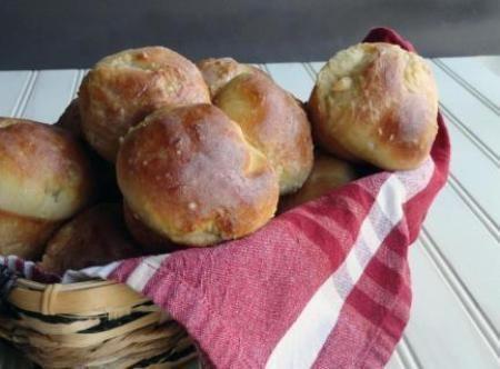 Grandma Statom's Yeast Rolls Recipe | Just A Pinch Recipes