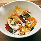 Een heerlijk recept: Witlofsalade met feta sinaasappel en walnoten van restaurant Moro