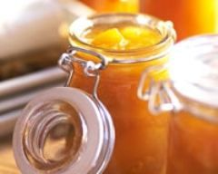 Confiture d'abricots allégée : http://www.cuisineaz.com/recettes/confiture-d-abricots-allegee-53602.aspx