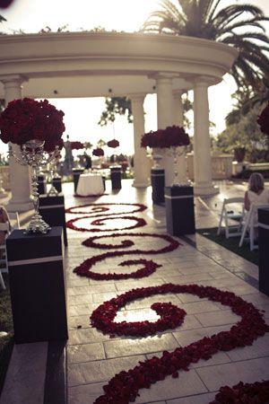 Im Really Liking Black Red And White Wedding Aisle Flower Decor
