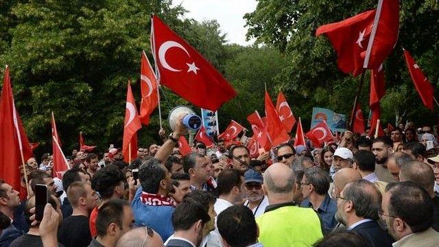 """Alman istihbaratından referandum uyarısı: Türk ve Kürt gruplar çatışabilir YENİ ! """"Alman istihbaratından referandum uyarısı: Türk ve Kürt gruplar çatışabilir"""" DETAYLAR İÇERDEhttps://www.oderece.net/alman-istihbaratindan-referandum-uyarisi-turk-ve-kurt-gruplar-catisabilir/"""