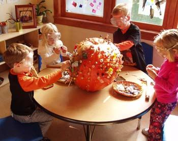 Love this idea for fall art center - class sculpture:-)  Decorate the #pumpkin