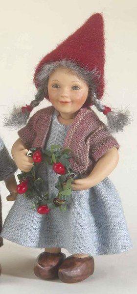 År 2008: Birgitte Frigast Godmorgen nisse, Signe, 10cm // http://www.nisse-shop.dk/epages/78608_1025911.sf/da_DK/?ObjectPath=/Shops/78608_1025911/Products/31-141