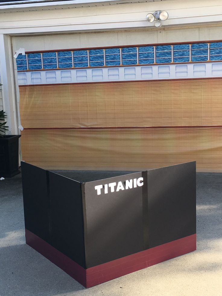 Titanic photo booth