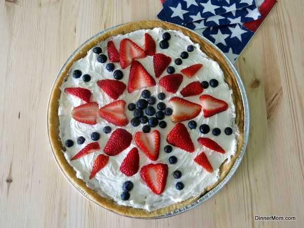 Fruit Pizza Cookie - Easy recipe with inspiration for other holidays and events