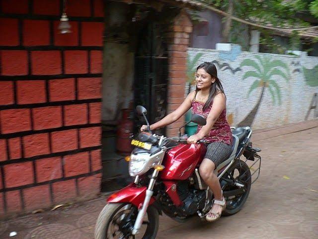 Indian girls on bikes-4460