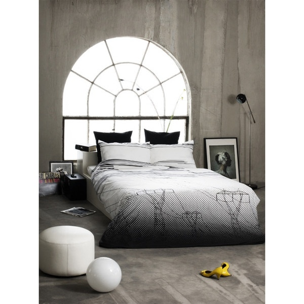 100% Cotton sateen, bedding set - White & black. Recharge with the bed linen that gives you the tranquility you need. Electricity pylons rise from the morning mist, whilst the clouds slowly disappear - ready for another day.