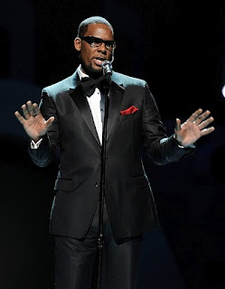 Chatter Busy: R. Kelly Makes History At Soul Train Awards