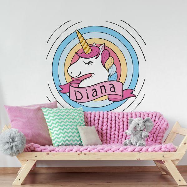 Copiii sunt fascinati de unicorni. Stiai ca se pot realiza stickere de perete Unicorn cu numele copilului?    Modelul il gasesti aici: https://www.tiparo.ro/stickere/stickere-camera-copilului