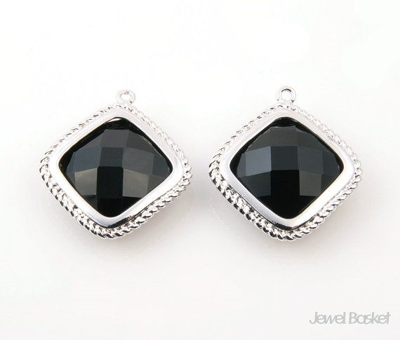 - High Polished Rhodium Frame (Tarnish Resistant) - Black Onyx Color Glass - Brass and Glass / 20mm x 22mm - 2pcs / 1pack