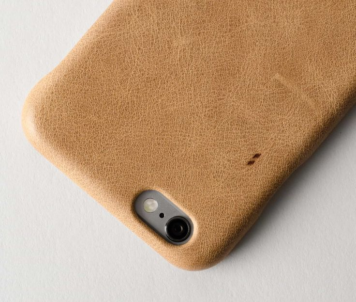 Hard Graft wraps its latest iPhone case in a luxurious sheath of top grain leather.