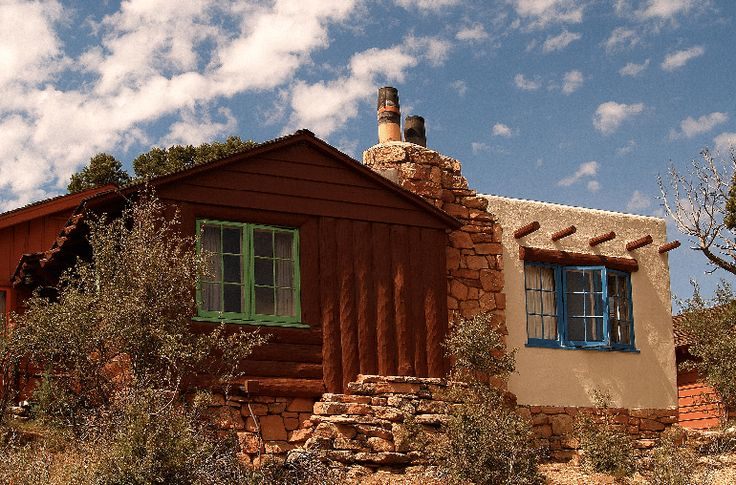 Just Ahead's Where to Stay in Grand Canyon National Park guide includes the imposing El Tovar Hotel and historic Bright Angel Lodge.