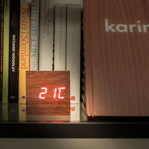 Sound-activated LED Clock in Wooden Cube