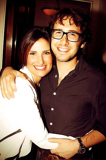 Stop whatever you're doing right now. Idina Menzel and Josh Groban. Together. In one photo. I can die happy.