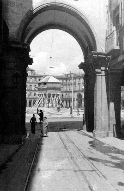 estructura de protección de la estatua ecuestre de Felipe III en la Plaza Mayor de Madrid. Fotografías Ministerio de Cultura.