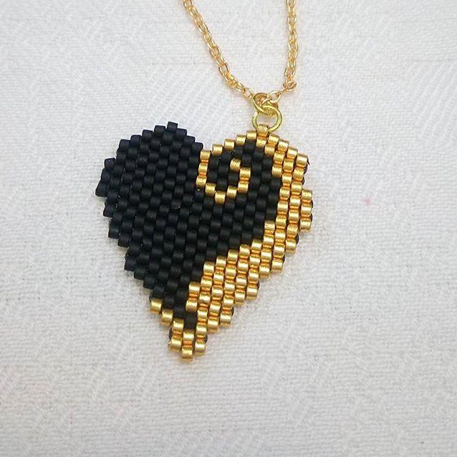 Miyuki boncuklarla, ince bir işçilik  #miyuki #kolyeucu #kalp #elemeği #göznuru #takı #moda #istanbul #aksesuar #kadın #bileklik #kolye #tarz #handmade #jewellery #handmadewithlove #women #fashion #miyuki #miyukibeads #bead #bracelet #neklace #style #accessories #heart