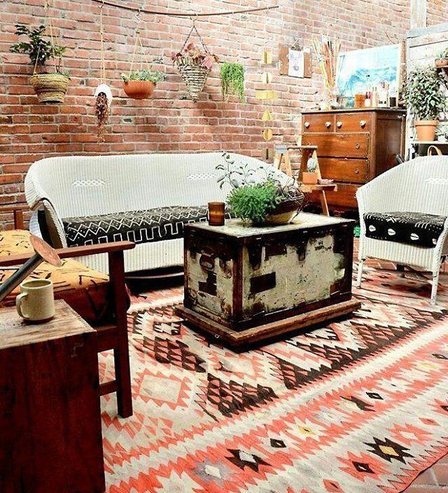 #rug #kilim #outdoors #designers #decorationideas #decorazioni #vintageshop #vintagedecor #decore #gardens #interiores