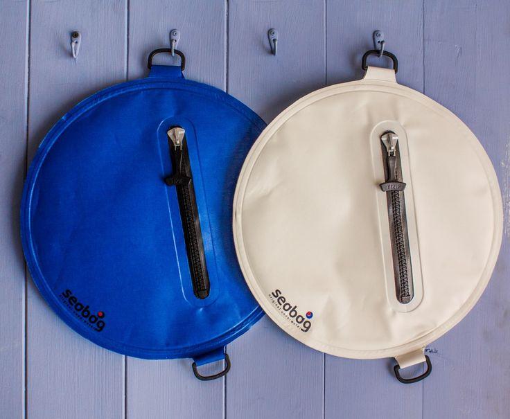 www.seabag.it www.seabag.us Borsa a tenuta stagna per sport acquatici. Watertight bag for watersports