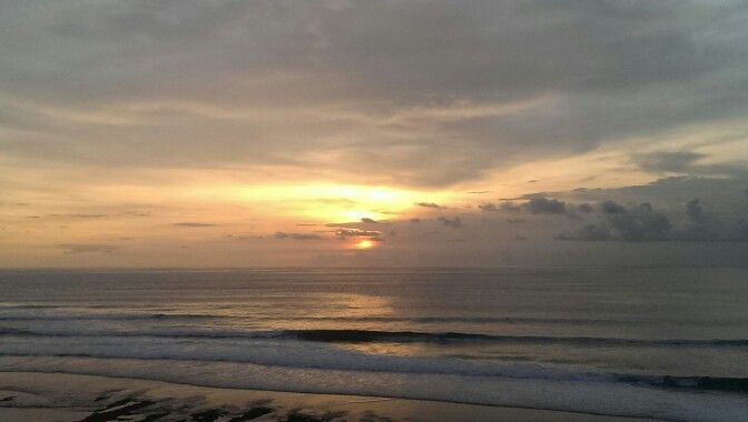 Blue Point Beach / Suluban Beach - Bali