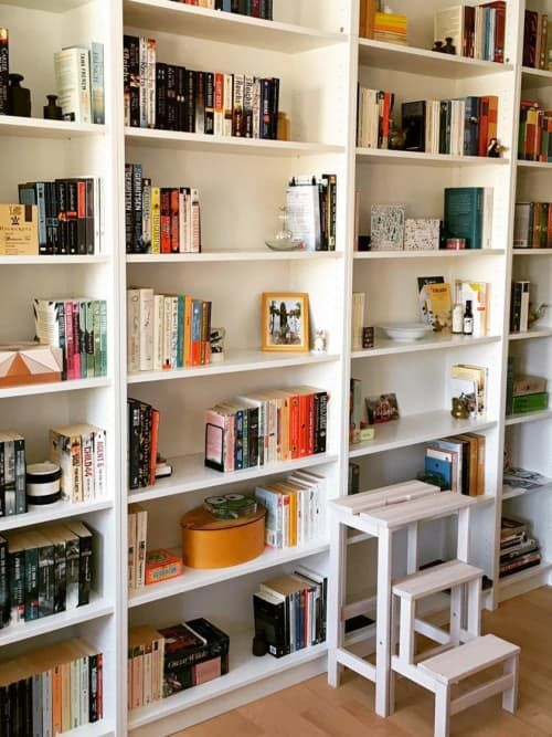 Bookshelves For Holding Kim Kardashian & Chrissy Teigen's Book Club Recommendations   Stylight