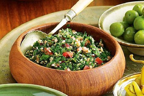 250 gr bulgur, abbondante menta fresca, abbondante prezzemolo, 25 pomodorini pachino, 1 lime, q.b. olio extra vergine di oliva e q.b. sale.