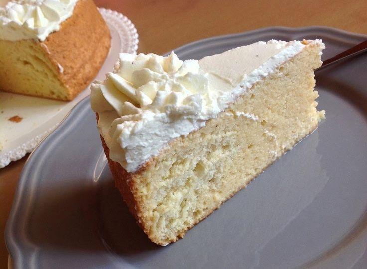Třímlékový dort (Tres leches cake) - http://www.mytaste.cz/r/t%C5%99%C3%ADml%C3%A9kov%C3%BD-dort-tres-leches-cake-22467322.html