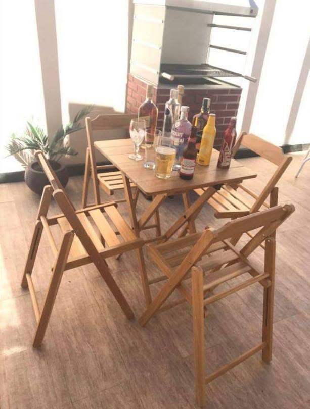 Rei Leão: Conjunto com Mesa e 4 Cadeiras Tramontina Beer Tec...