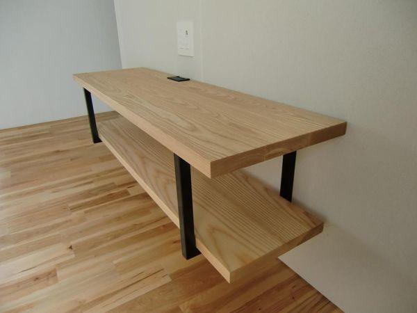 木材 無垢材 集成材 積層材 のフリーカット通販です 曲線カット 面取り ダボ穴など図面どおりに加工 正確なカットに自信があります 塗装も承っております リフォームをお考えの方に床材などのご提供も可能です こちらは 木材を使った自慢の作品 のページです