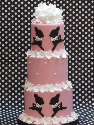 Awesome cake by Cakes by Bien