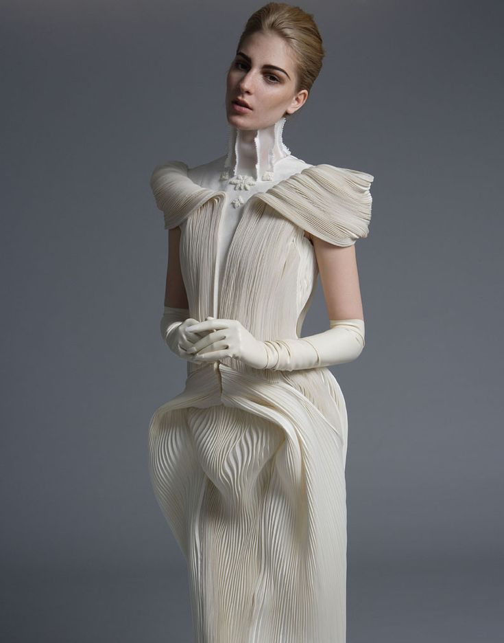 Sculptural Fashion - finely pleated dress with dramatic drape; fashion as art // Thom Browne S/S 2014