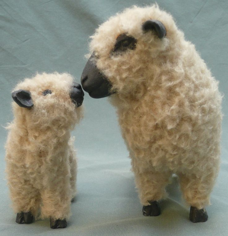 Shropshire Ewe with lamb...The Shropshire is an English breed of sheep raised in the west-midlands on the Welsh border. (Needle Felted)
