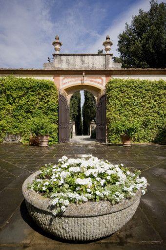 Luxury Villa Rental Florence Italy | Tuscany Wedding Villa by Luxurious Wedding Locations