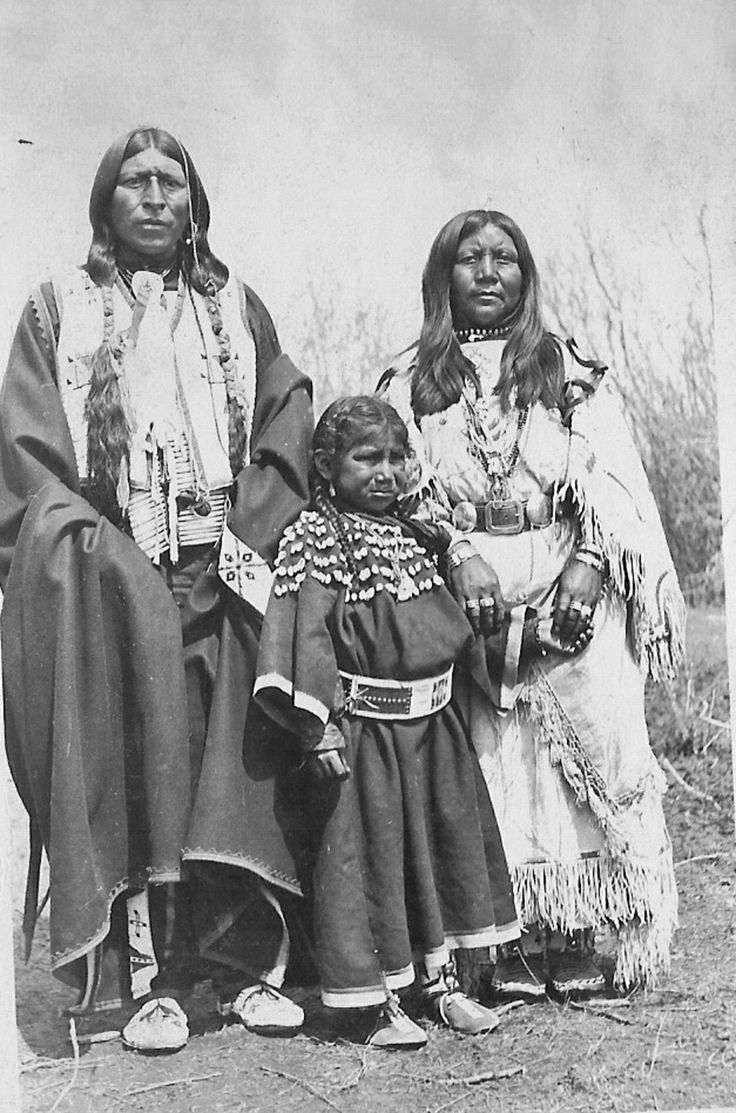 early native americans essay Essay: before 1768: pre-columbian california  the early native californian  communities were astonishingly diverse in culture and way of life, ranging from  the.