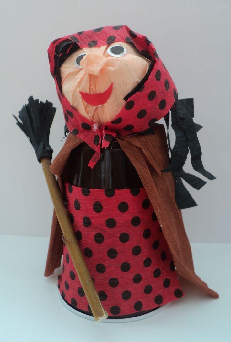 Čarodějnice z kelímku a krepového papíru