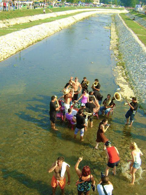 Photo…graphy: Guca festival 2009