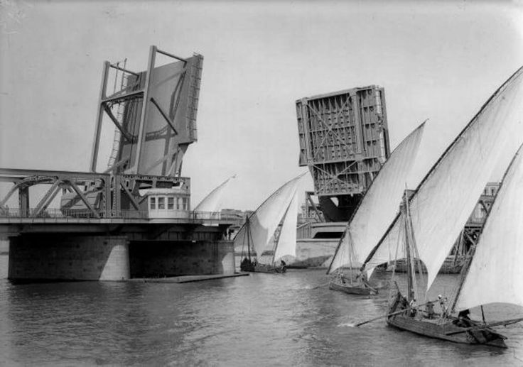 Snapshot of Boulak Bridge opening way for Dhows passing by | Cairo, Egypt 1913.