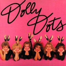 Dolly Dots:  Playbackshow,  lange overhemden aan van onze vaders en een legging eronder. Natuurlijk werden de haren flink getoupeerd!!