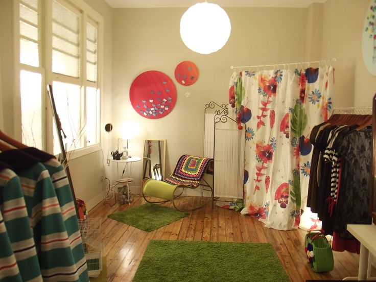 everything ready for the showroom of tomorrow.... Spring summer 012 collection is here!