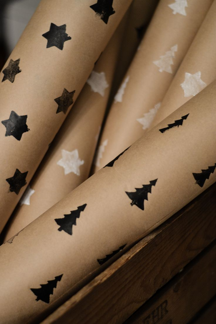 gift wrapping // potato stamp Can't wait to start this tradition in our house :)