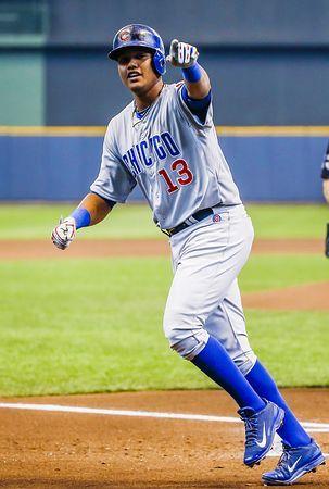 ブルワーズ戦で本塁打を放ち、笑顔を見せるカブスのカストロ=4月27日、ミルウォーキー(EPA=時事) ▼21Aug2014時事通信|24歳カストロに熱視線=低迷カブス、オフに放出か-米大リーグ http://www.jiji.com/jc/zc?k=201408/2014082100068 #Starlin_Castro #Chicago_Cubs ◆Starlin Castro - Wikipedia http://en.wikipedia.org/wiki/Starlin_Castro