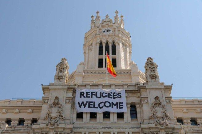"""¿Fronteras abiertas a los refugiados?, organizaciones """"humanitarias"""" y """"progresistas"""", llegada masiva de inmigrantes, políticas coloniales"""